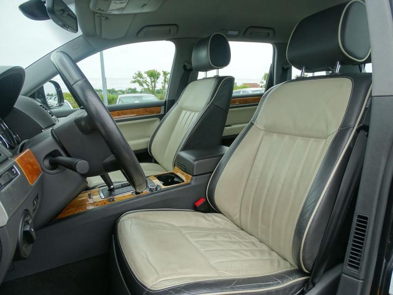 Photo 5 de l'offre de VOLKSWAGEN TOUAREG 3.0 V6 TDI 240CH DPF CARAT TIPTRONIC à 14890€ chez International Auto Auneau