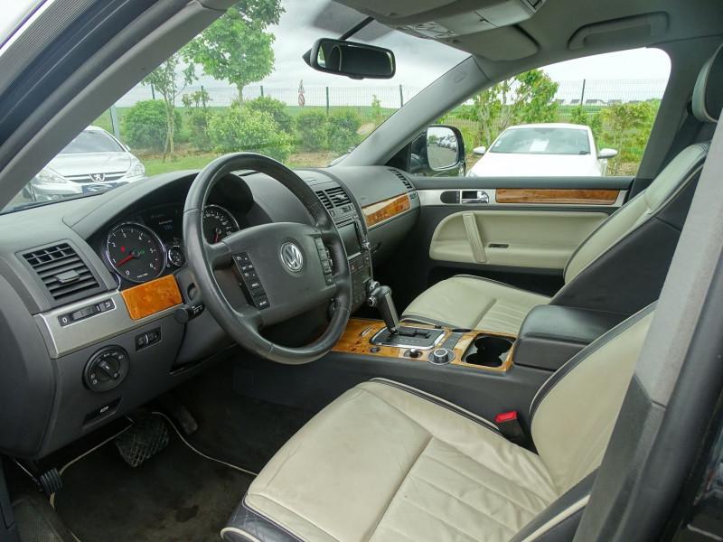 Photo 4 de l'offre de VOLKSWAGEN TOUAREG 3.0 V6 TDI 240CH DPF CARAT TIPTRONIC à 14890€ chez International Auto Auneau