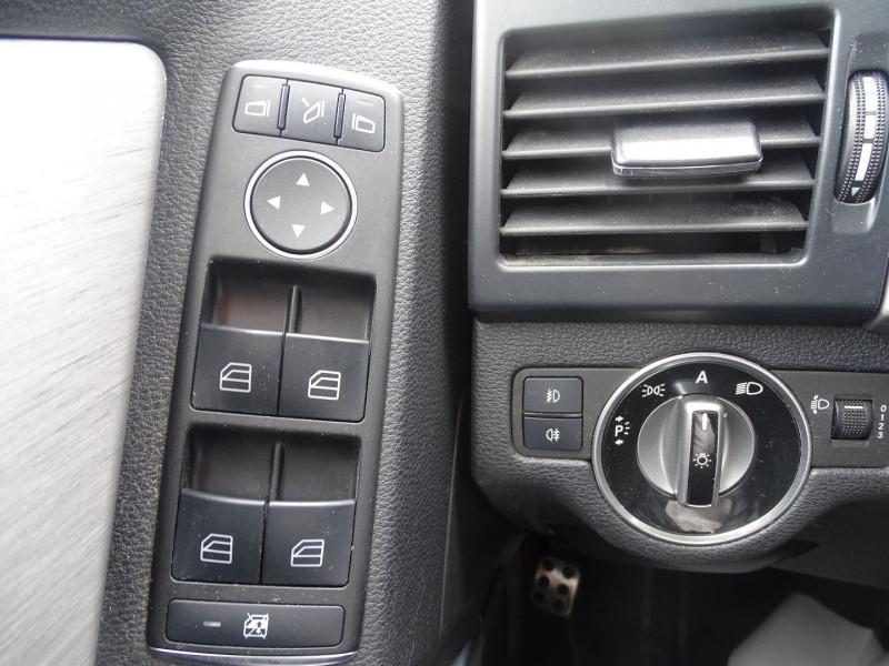 Photo 13 de l'offre de MERCEDES-BENZ CLASSE GLK (X204) 220 CDI BE 4 MATIC à 13690€ chez International Auto Auneau