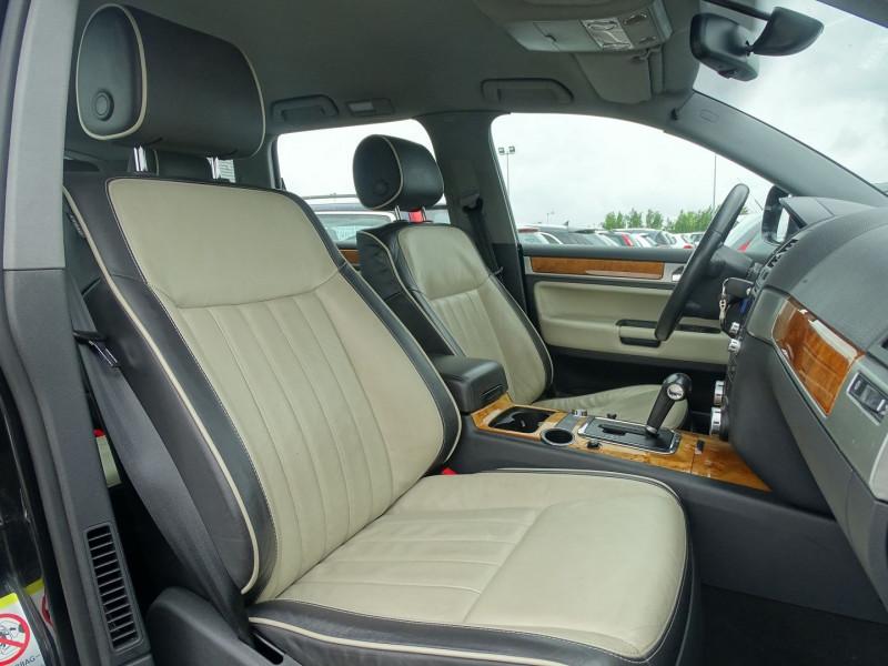 Photo 9 de l'offre de VOLKSWAGEN TOUAREG 3.0 V6 TDI 240CH DPF CARAT TIPTRONIC à 14890€ chez International Auto Auneau