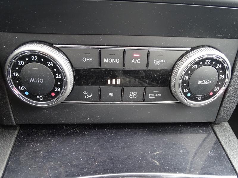 Photo 14 de l'offre de MERCEDES-BENZ CLASSE GLK (X204) 220 CDI BE 4 MATIC à 13690€ chez International Auto Auneau