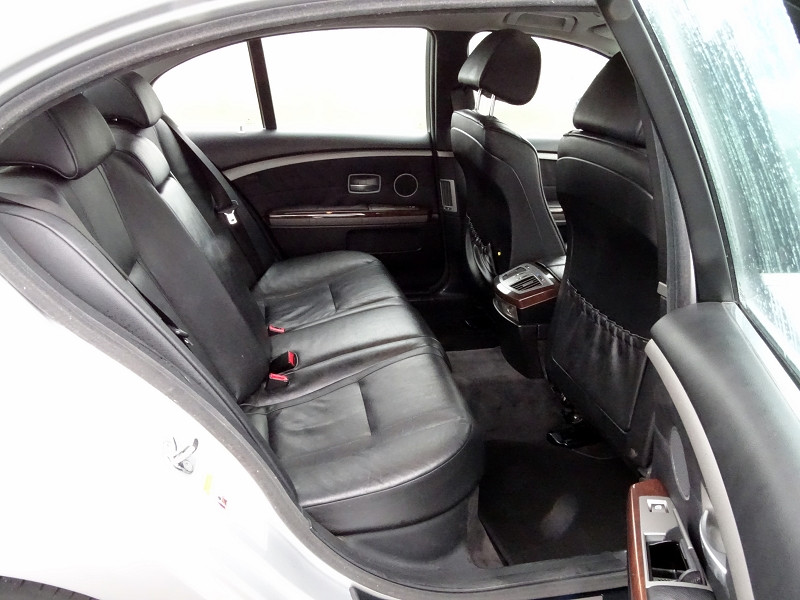 Photo 13 de l'offre de BMW SERIE 7 (E65) 745IA 333CH à 5590€ chez International Auto Auneau
