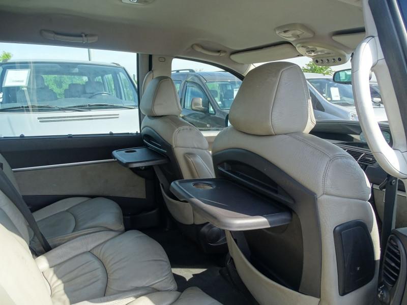 Photo 14 de l'offre de PEUGEOT 807 2.2 HDI130 SR FAP à 5390€ chez International Auto Auneau