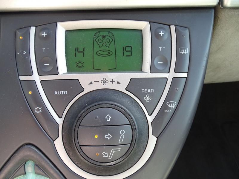 Photo 5 de l'offre de PEUGEOT 807 2.2 HDI130 SR FAP à 5390€ chez International Auto Auneau