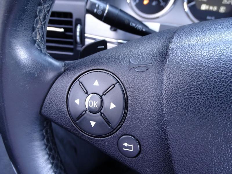 Photo 10 de l'offre de MERCEDES-BENZ CLASSE GLK (X204) 220 CDI BE 4 MATIC à 13790€ chez International Auto Auneau