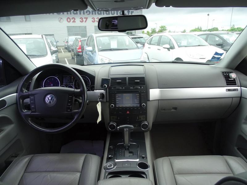 Photo 8 de l'offre de VOLKSWAGEN TOUAREG 3.0 V6 TDI 225CH CARAT TIPTRONIC à 12990€ chez International Auto Auneau