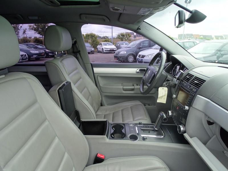 Photo 7 de l'offre de VOLKSWAGEN TOUAREG 3.0 V6 TDI 225CH CARAT TIPTRONIC à 12990€ chez International Auto Auneau