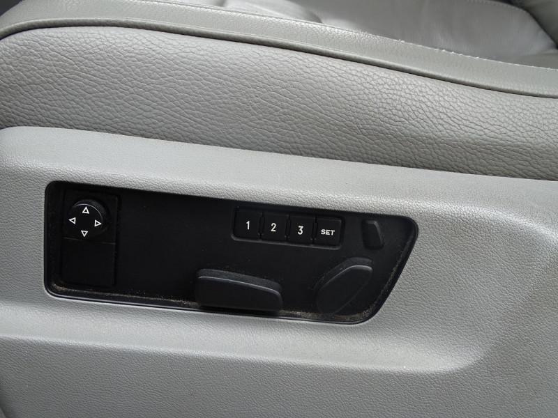 Photo 13 de l'offre de VOLKSWAGEN TOUAREG 3.0 V6 TDI 225CH CARAT TIPTRONIC à 12990€ chez International Auto Auneau