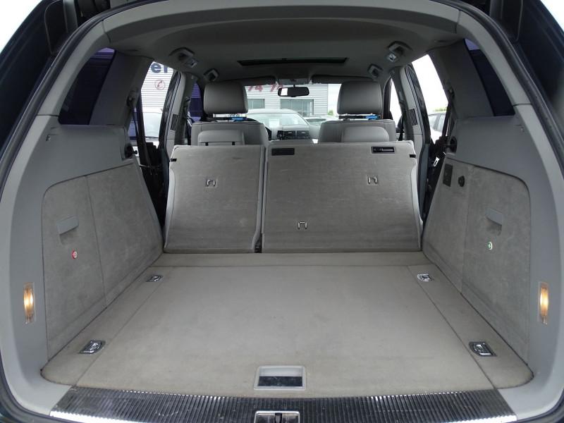Photo 16 de l'offre de VOLKSWAGEN TOUAREG 3.0 V6 TDI 225CH CARAT TIPTRONIC à 12990€ chez International Auto Auneau
