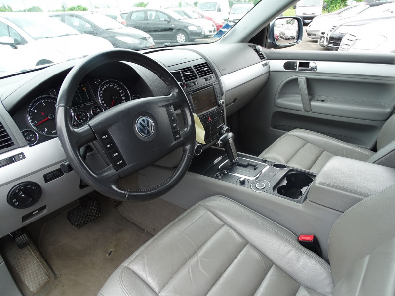 Photo 3 de l'offre de VOLKSWAGEN TOUAREG 3.0 V6 TDI 225CH CARAT TIPTRONIC à 12990€ chez International Auto Auneau