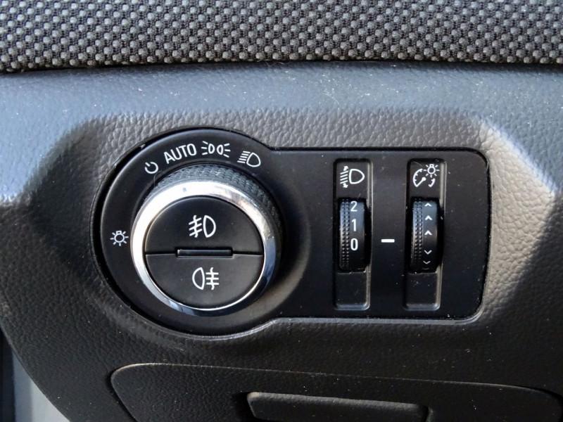 Photo 7 de l'offre de CHEVROLET CRUZE 2.0VCDI LTZ 5P à 6990€ chez International Auto Auneau