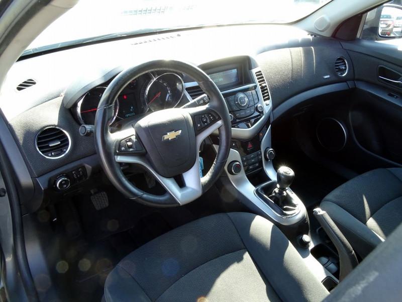 Photo 6 de l'offre de CHEVROLET CRUZE 2.0VCDI LTZ 5P à 6990€ chez International Auto Auneau