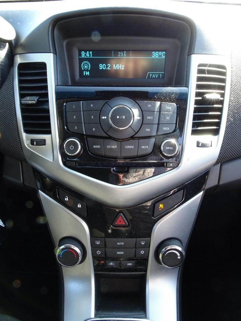 Photo 16 de l'offre de CHEVROLET CRUZE 2.0VCDI LTZ 5P à 6990€ chez International Auto Auneau