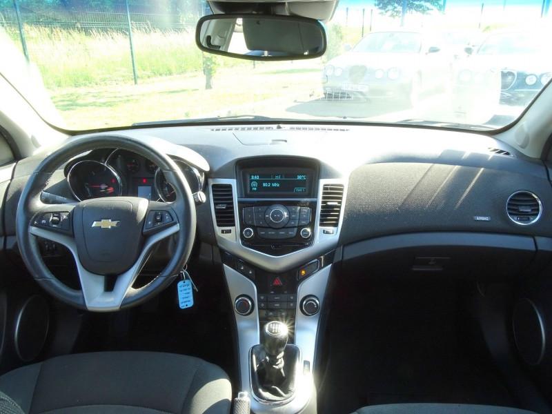 Photo 4 de l'offre de CHEVROLET CRUZE 2.0VCDI LTZ 5P à 6990€ chez International Auto Auneau