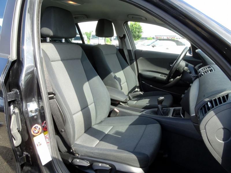 Photo 13 de l'offre de BMW SERIE 1 (E81/E87) 118D 122CH CONFORT 5P à 5890€ chez International Auto Auneau