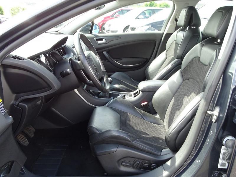 Photo 6 de l'offre de CITROEN C5 2.2 HDI173 FAP EXCLUSIVE à 8690€ chez International Auto Auneau