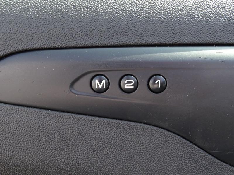 Photo 4 de l'offre de CITROEN C5 2.2 HDI173 FAP EXCLUSIVE à 8690€ chez International Auto Auneau