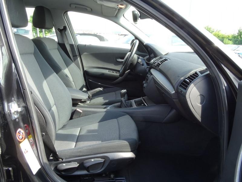 Photo 12 de l'offre de BMW SERIE 1 (E81/E87) 118D 122CH CONFORT 5P à 5890€ chez International Auto Auneau