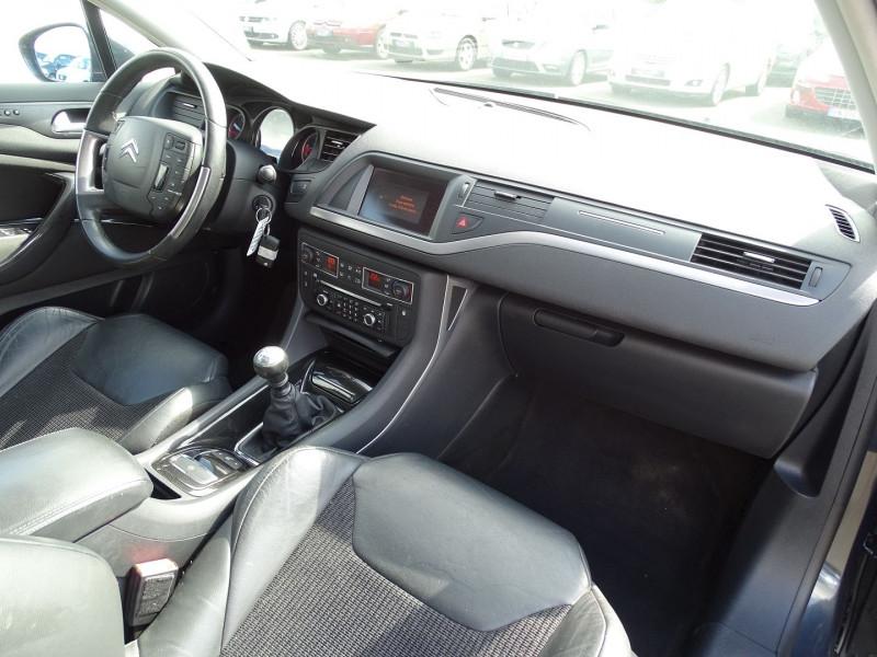 Photo 16 de l'offre de CITROEN C5 2.2 HDI173 FAP EXCLUSIVE à 8690€ chez International Auto Auneau