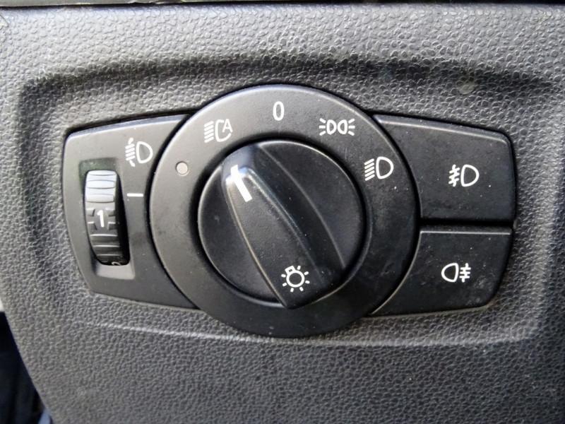 Photo 7 de l'offre de BMW SERIE 1 (E81/E87) 118D 122CH CONFORT 5P à 5890€ chez International Auto Auneau