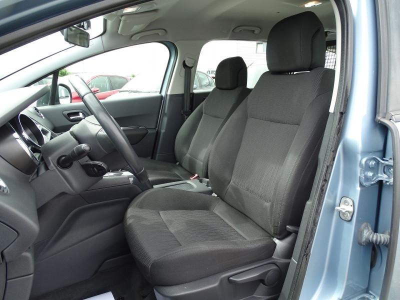 Photo 4 de l'offre de PEUGEOT 5008 1.6 VTI 16V CONFORT PACK 5PL à 6190€ chez International Auto Auneau