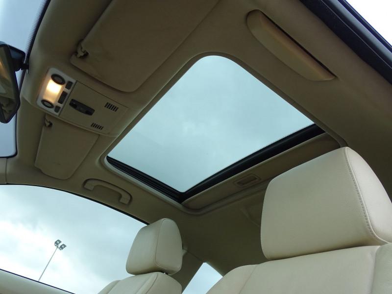 Photo 11 de l'offre de BMW SERIE 3 COUPE (E92) 320DA 177CH LUXE à 10790€ chez International Auto Auneau