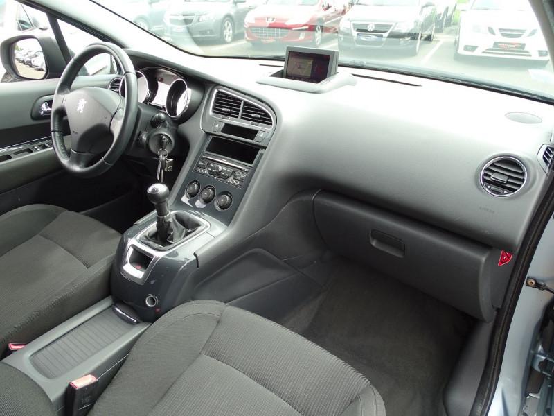 Photo 16 de l'offre de PEUGEOT 5008 1.6 VTI 16V CONFORT PACK 5PL à 6190€ chez International Auto Auneau