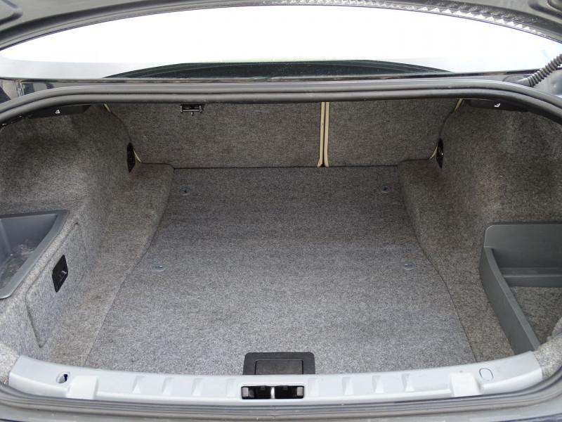Photo 12 de l'offre de BMW SERIE 3 COUPE (E92) 320DA 177CH LUXE à 10790€ chez International Auto Auneau