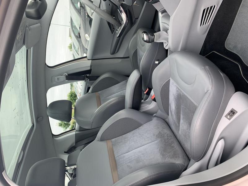 Photo 8 de l'offre de PEUGEOT 208 1.6 VTI ALLURE 5P à 8690€ chez International Auto Auneau