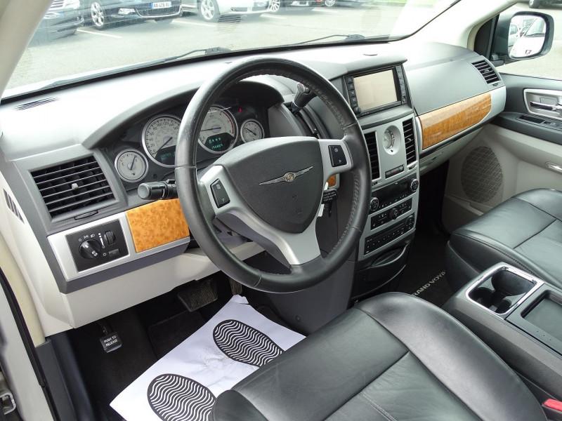 Photo 6 de l'offre de CHRYSLER GRAND VOYAGER 2.8 CRD LIMITED BA à 13490€ chez International Auto Auneau