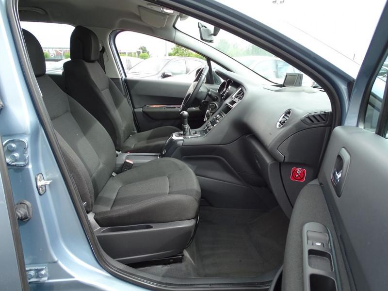 Photo 15 de l'offre de PEUGEOT 5008 1.6 VTI 16V CONFORT PACK 5PL à 6190€ chez International Auto Auneau