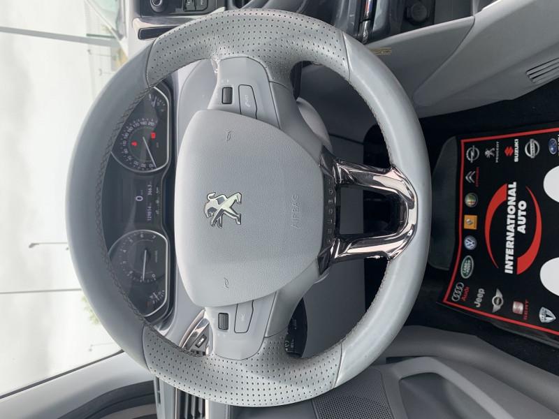 Photo 10 de l'offre de PEUGEOT 208 1.6 VTI ALLURE 5P à 8690€ chez International Auto Auneau