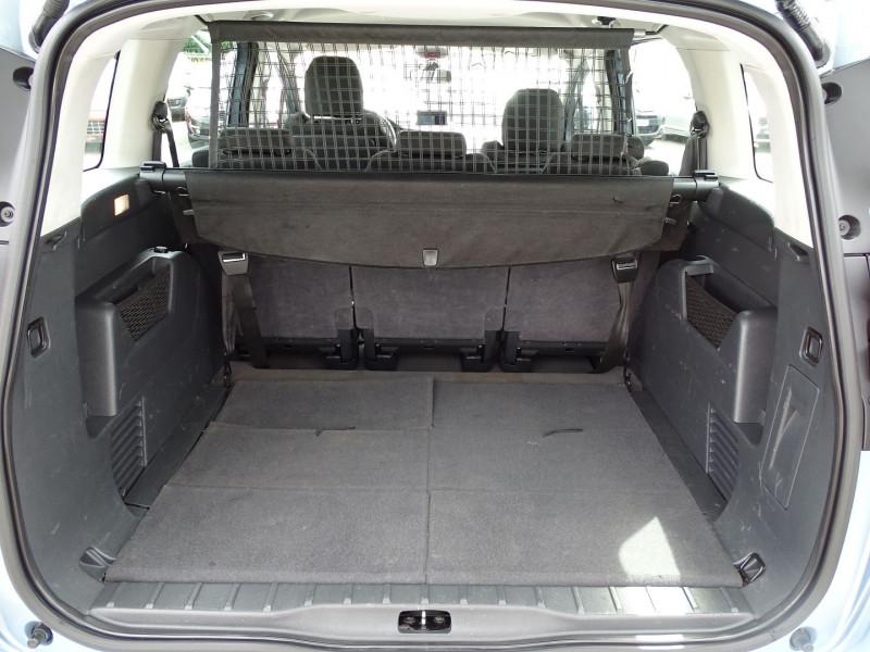 Photo 13 de l'offre de PEUGEOT 5008 1.6 VTI 16V CONFORT PACK 5PL à 6190€ chez International Auto Auneau