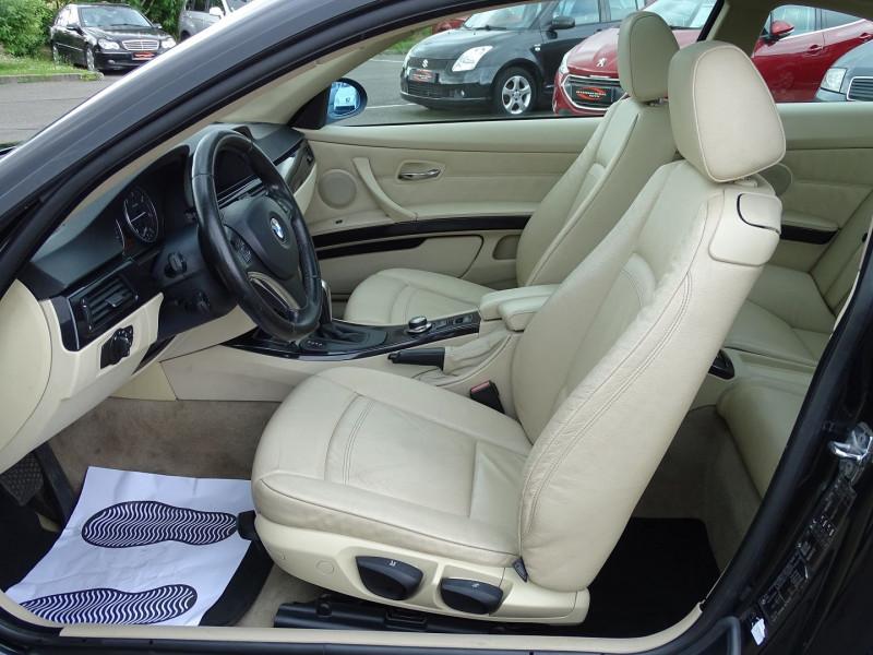 Photo 4 de l'offre de BMW SERIE 3 COUPE (E92) 320DA 177CH LUXE à 10790€ chez International Auto Auneau
