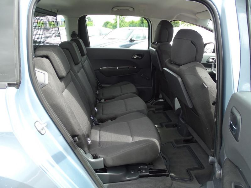 Photo 14 de l'offre de PEUGEOT 5008 1.6 VTI 16V CONFORT PACK 5PL à 6190€ chez International Auto Auneau
