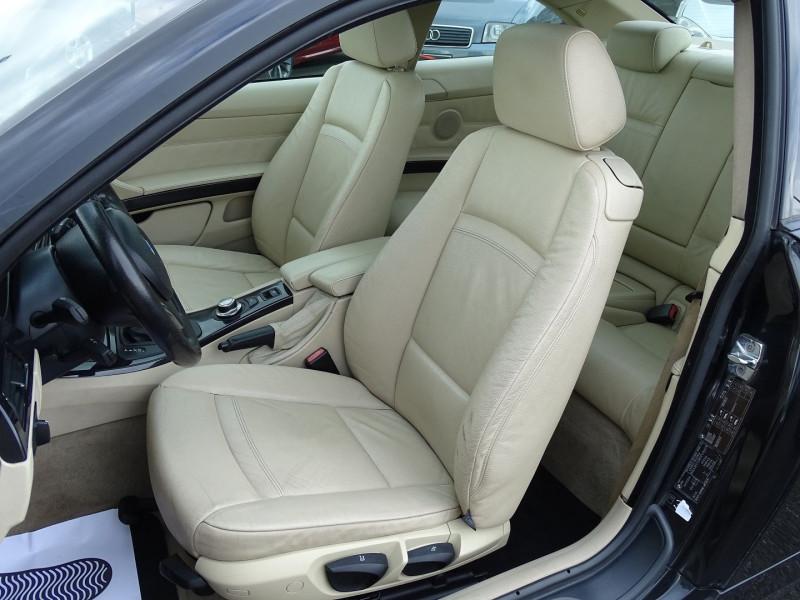 Photo 5 de l'offre de BMW SERIE 3 COUPE (E92) 320DA 177CH LUXE à 10790€ chez International Auto Auneau