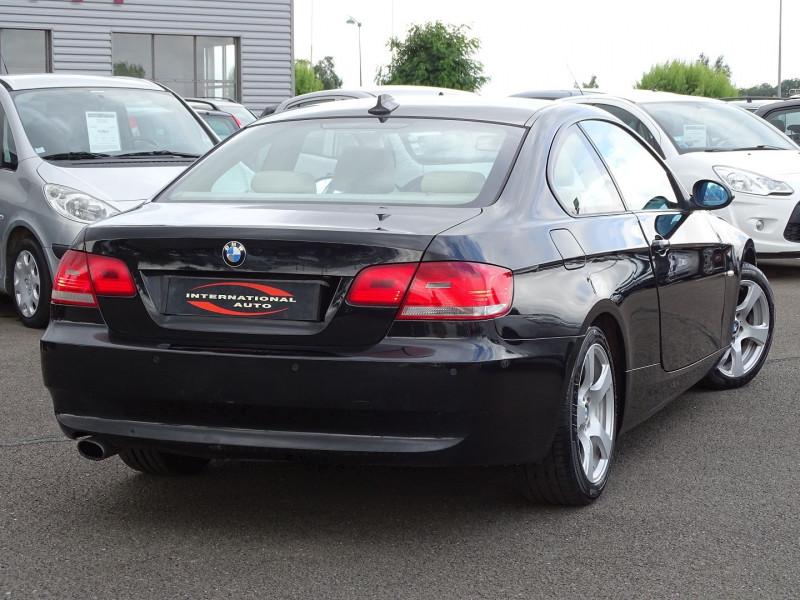 Photo 20 de l'offre de BMW SERIE 3 COUPE (E92) 320DA 177CH LUXE à 10790€ chez International Auto Auneau