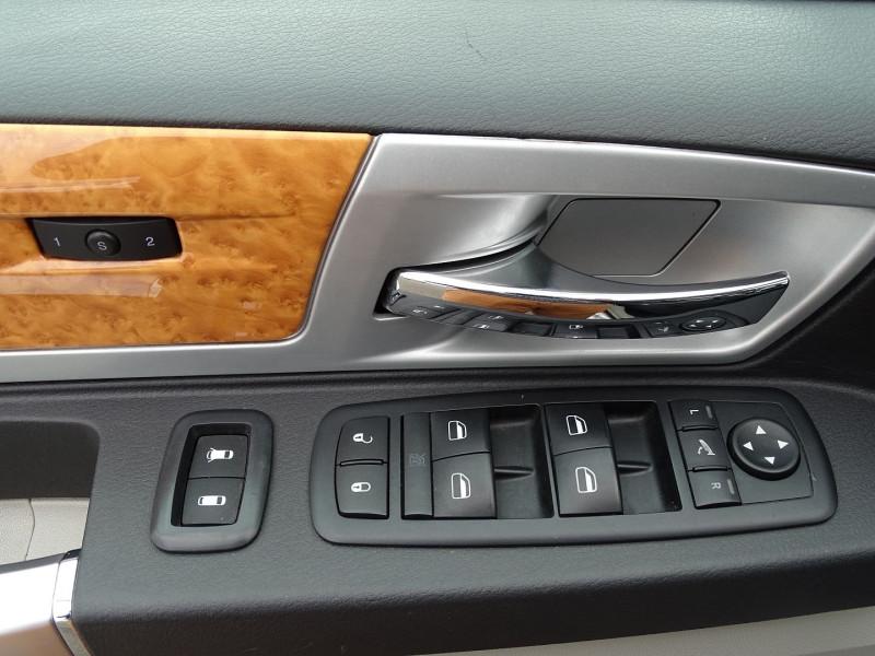 Photo 4 de l'offre de CHRYSLER GRAND VOYAGER 2.8 CRD LIMITED BA à 13490€ chez International Auto Auneau