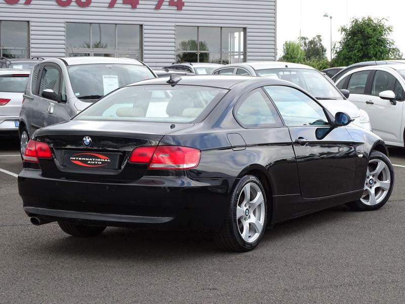 Photo 3 de l'offre de BMW SERIE 3 COUPE (E92) 320DA 177CH LUXE à 10790€ chez International Auto Auneau