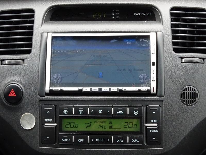Photo 14 de l'offre de HYUNDAI AZERA 2.2 CRDI155 PACK PREMIUM à 7790€ chez International Auto Auneau