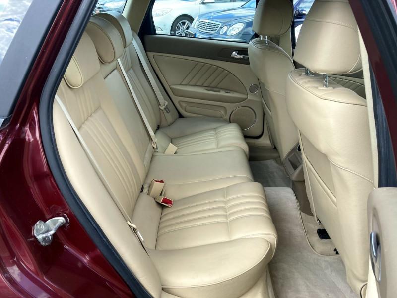 Photo 14 de l'offre de ALFA ROMEO 159 SW 8 à 8890€ chez International Auto Auneau