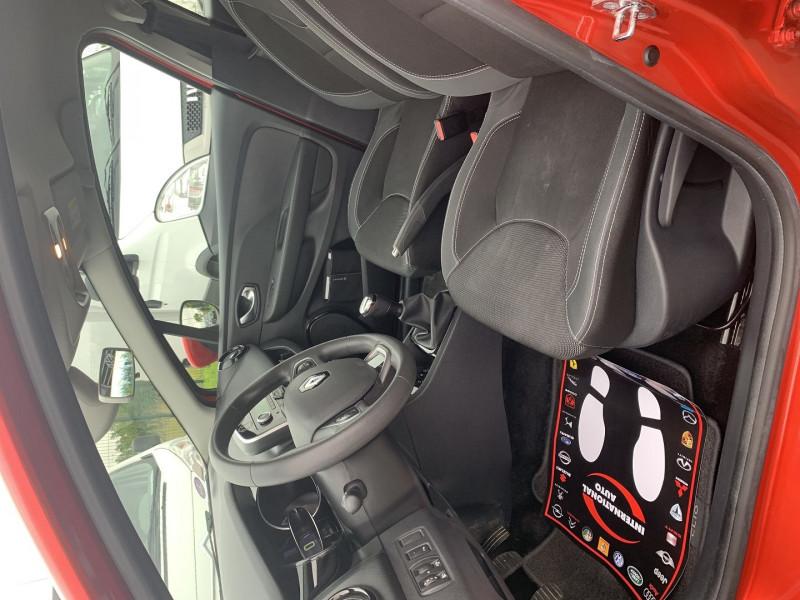 Photo 3 de l'offre de RENAULT CLIO IV 0.9 TCE 90CH TREND 5P à 9390€ chez International Auto Auneau
