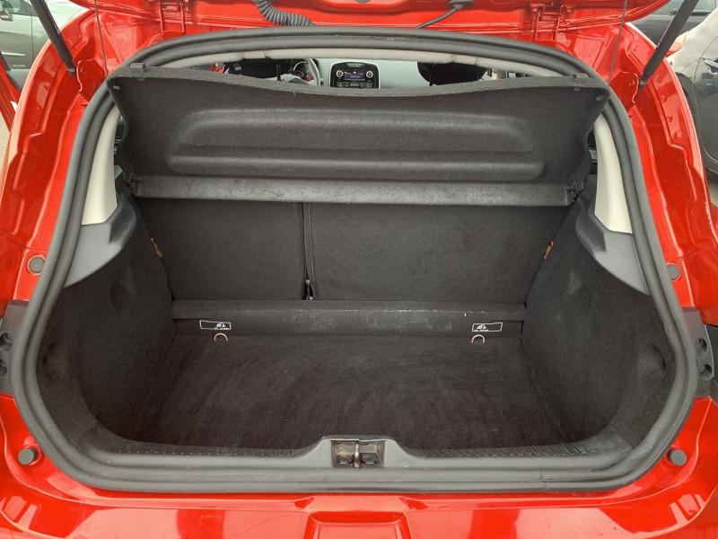 Photo 14 de l'offre de RENAULT CLIO IV 0.9 TCE 90CH TREND 5P à 9390€ chez International Auto Auneau