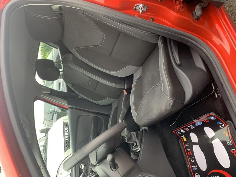 Photo 4 de l'offre de RENAULT CLIO IV 0.9 TCE 90CH TREND 5P à 9390€ chez International Auto Auneau