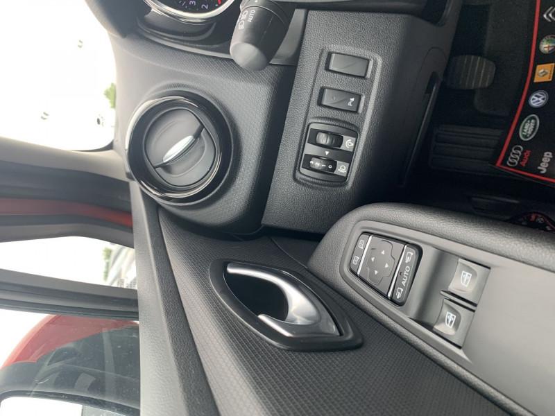 Photo 11 de l'offre de RENAULT CLIO IV 0.9 TCE 90CH TREND 5P à 9390€ chez International Auto Auneau