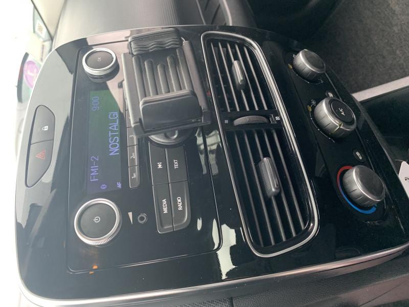 Photo 13 de l'offre de RENAULT CLIO IV 0.9 TCE 90CH TREND 5P à 9390€ chez International Auto Auneau