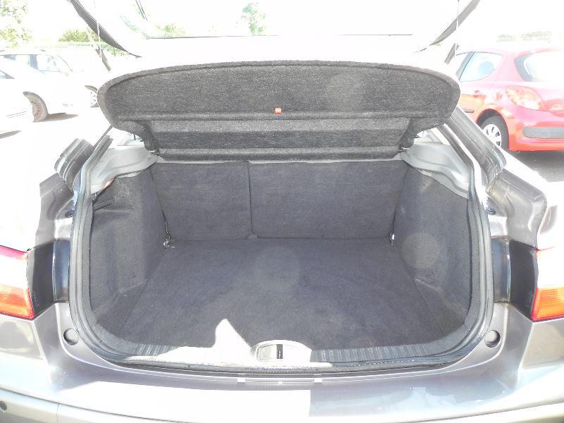 Photo 3 de l'offre de RENAULT LAGUNA II 2.2 DCI 150CH PRIVILEGE à 2990€ chez International Auto Auneau