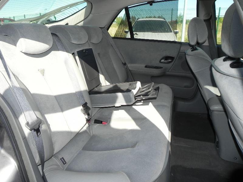 Photo 9 de l'offre de RENAULT LAGUNA II 2.2 DCI 150CH PRIVILEGE à 2990€ chez International Auto Auneau
