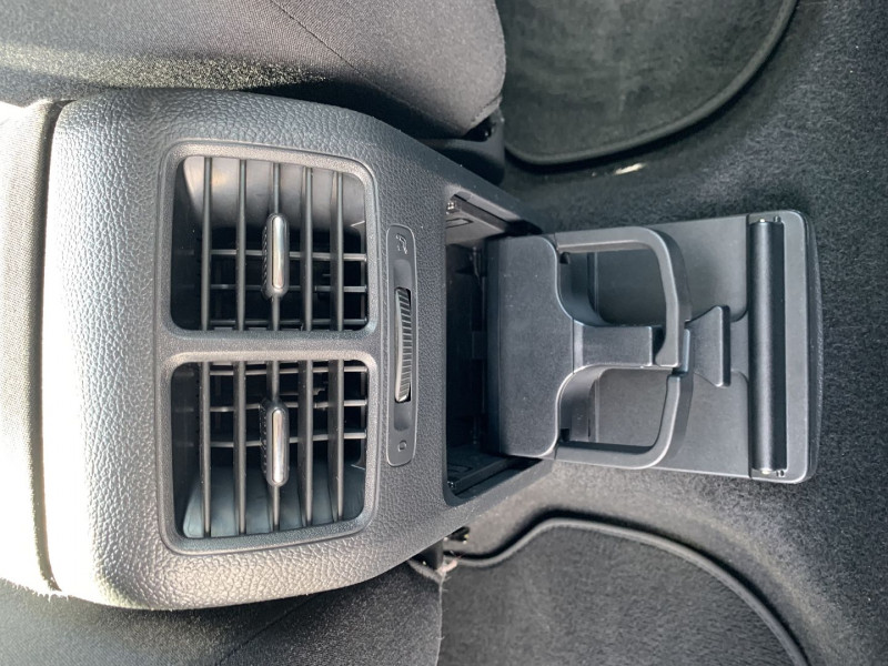 Photo 12 de l'offre de VOLKSWAGEN GOLF VI 1.4 TSI 160CH CONFORTLINE DSG7 5P à 7990€ chez International Auto Auneau