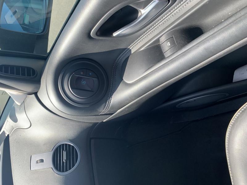 Photo 10 de l'offre de RENAULT ESPACE IV 3.0 V6 DCI 180CH INITIALE BVA à 10690€ chez International Auto Auneau